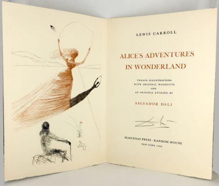 Libro Illustrato Dali - ALICE IN WONDERLAND. 1 eau-forte et 12 bois et héliogravures en couleurs (1969).