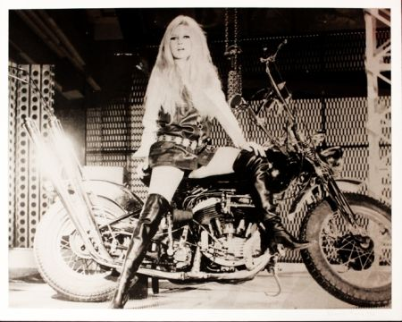 Serigrafia Young - Brigitte Bardot sur sa Harley Davidson