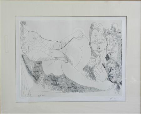 Acquaforte Picasso - Femme au Lit avec Visiteurs en Costume du XVII Siecle