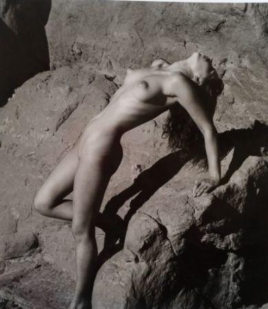 Fotografie De Dienes  - Nu sur les rochers